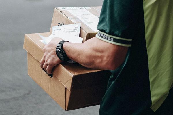Adatto Logistics consegne